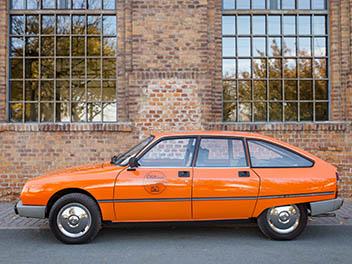 Oldtimer Citroen GSA orange Seitenansicht