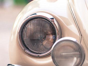 Oldtimer VW Käfer Scheinwerfer 2 detail
