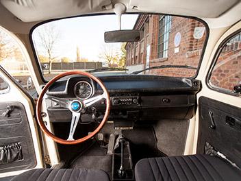 Oldtimer VW Käfer innen detail