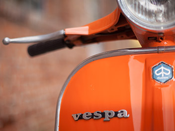 Oldtimer Vespa 125 detail lenker