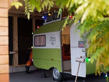 Oldtimer Wohnwagen inklusive Fotobox garage
